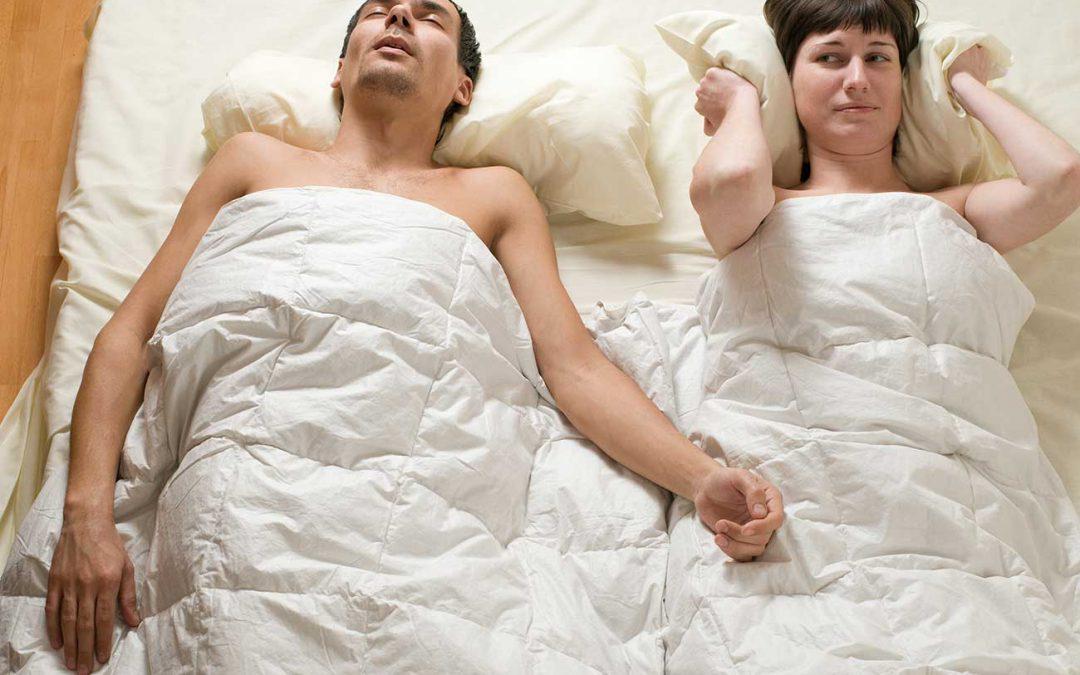 Pessoas que roncam têm 2 vezes mais chances de sofrer derrame fatal